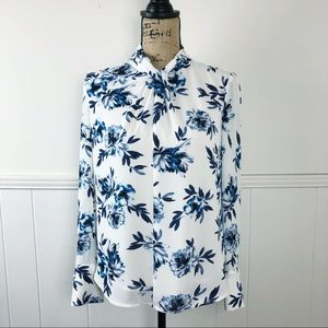 White House Black Market Blue Floral Blouse Top